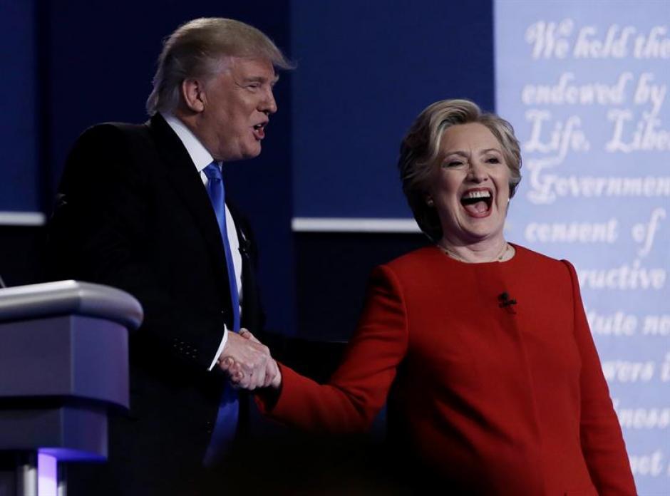 Trump y Clinton se señalaron mutuamente durante el primer debate presidencial. (Foto: EFE)
