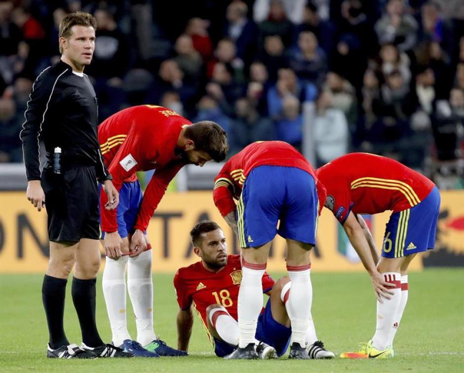 Jordi Alba se lesionó en el partido ante Italia. (Foto: EFE)