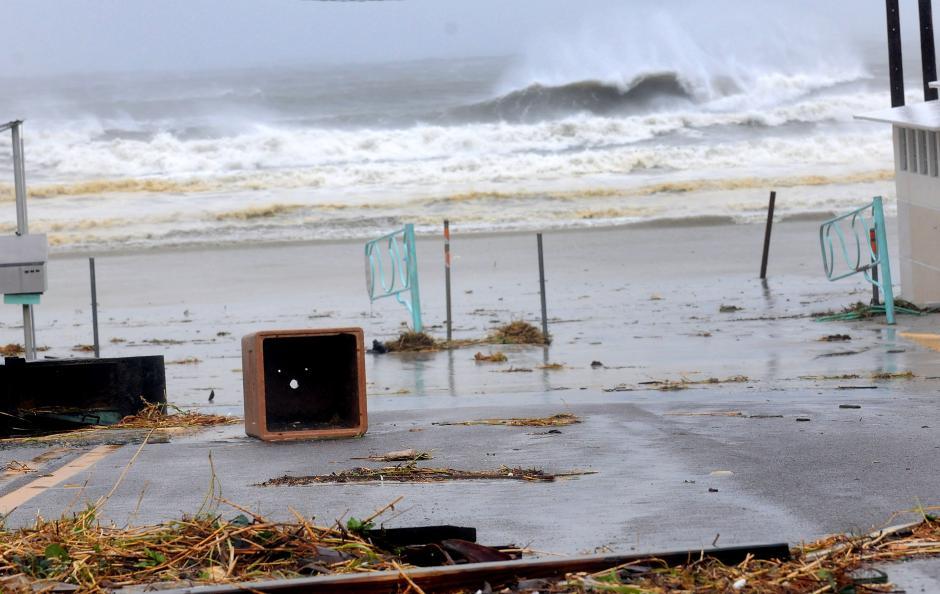 El huracán ha dejado destrozos e inundaciones en la costa este de Florida. (Foto: EFE)