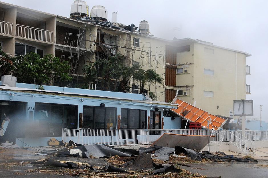 Por la velocidad de los vientos del huracán en las últimas horas bajó a categoría 2. (Foto: EFE)