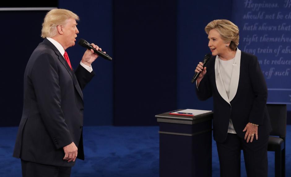 """Clinton y Trump protagonizaron un """"acalorado"""" debate. (Foto. EFE)"""
