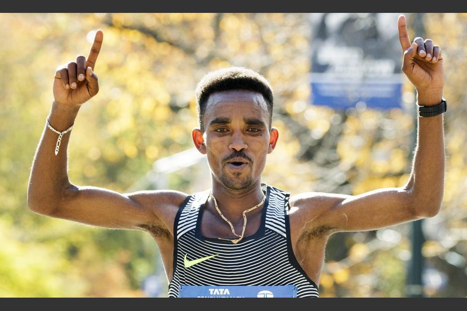 El eritreo Ghirmay Ghebreslassie es el más joven en ganar la Maratón de Nueva York en toda su historia. (Foto: EFE)