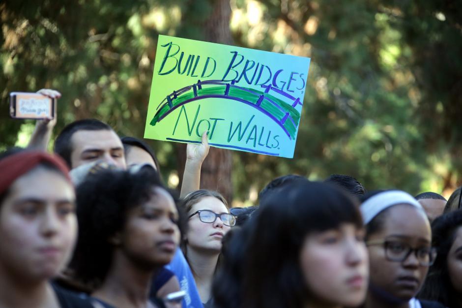 En la Universidad de Californa, en Los Ángeles, también se dieron las protestas. (Foto: EFE)