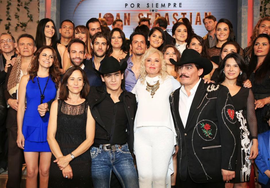 """El elenco que forma parte de la serie mexicana """"Por siempre Joan"""". (Foto: mastelenovelas.com)"""