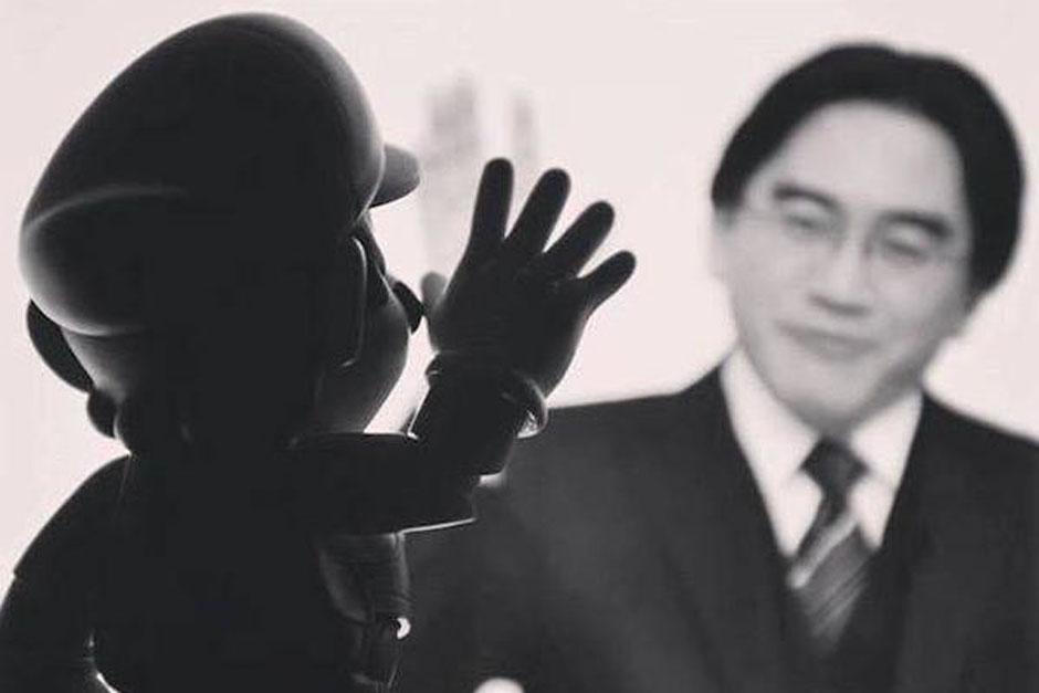 """Mario Bros despidiendo a Satoru Iwata, el presidente de Nintendo más popular entre los """"gamers"""". (Foto: Twitter)"""