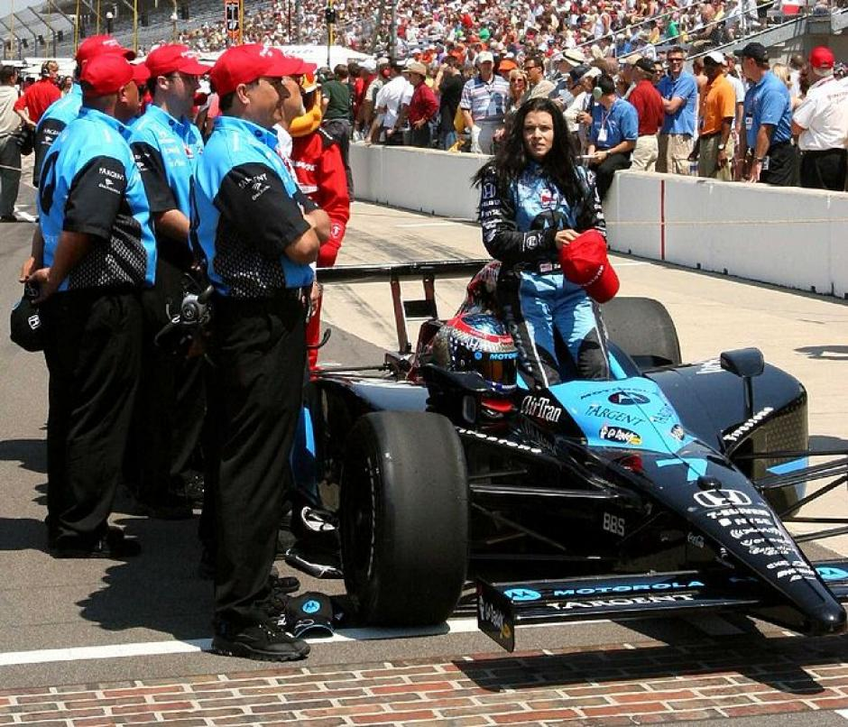 Danica Patrick es la primera mujer en ganar una carrera en IndyCar. (Foto: IndyCar500)