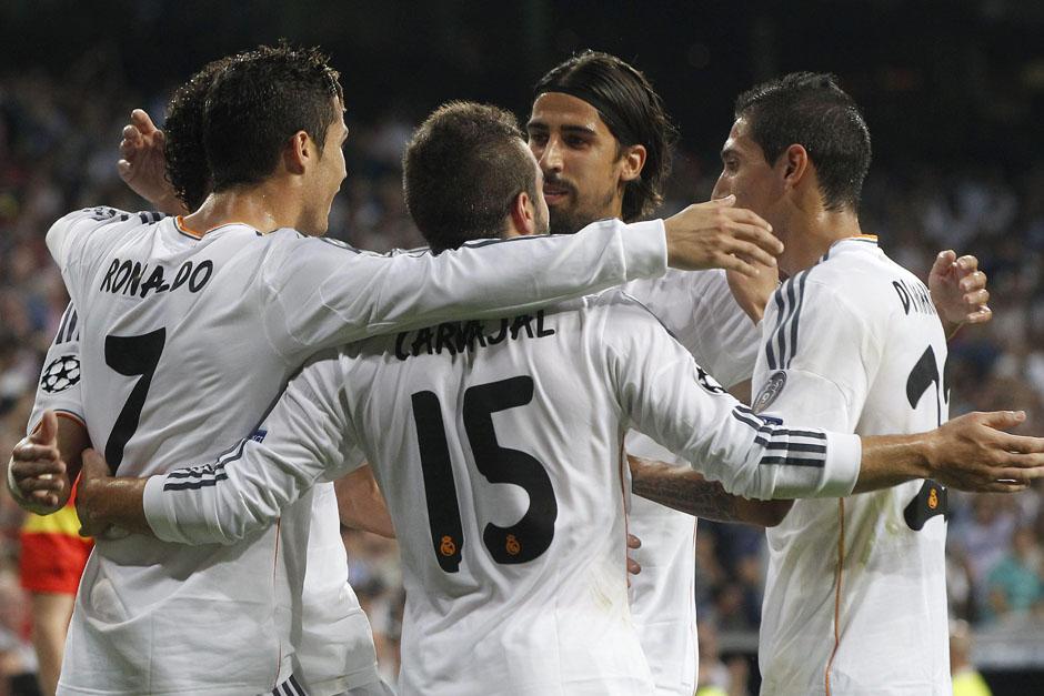 Los jugadores madridistas celebran el triunfo ante el Copenhage.