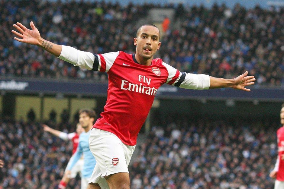 Theo Walcott fue uno de los anotadores por el Arsenal.