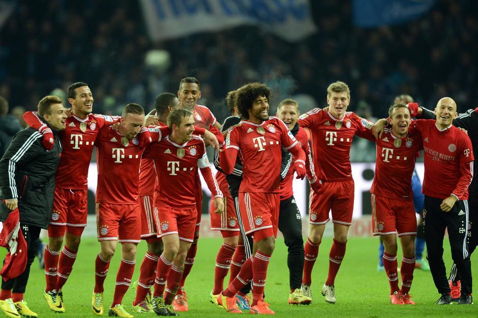 Los jugadores del Bayern se unieron en una celebración luego de finalizar el juego ante el Hertha