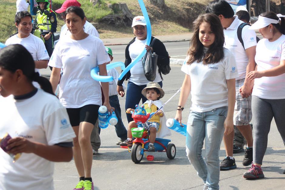 Familias completas celebraron el primer Día Internacional del Deporte para el Desarrollo y la Paz. (Foto: José Dávila/Soy502)