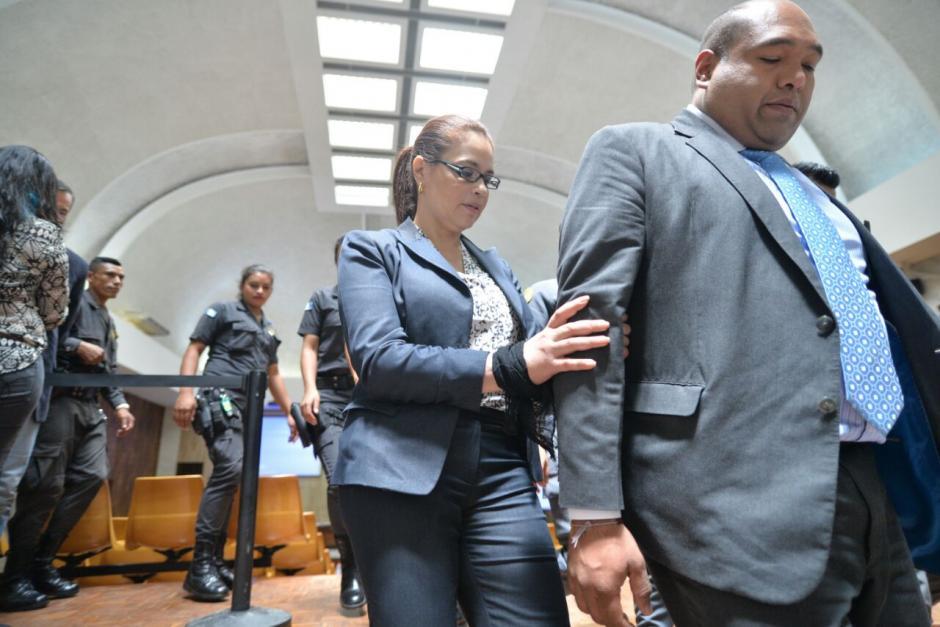 La defensa de Roxana Baldetti dijo que no existen suficientes indicios para ligar a proceso a la exvicemandataria por el delito de lavado de dinero. (Foto: Wilder López/Soy502)