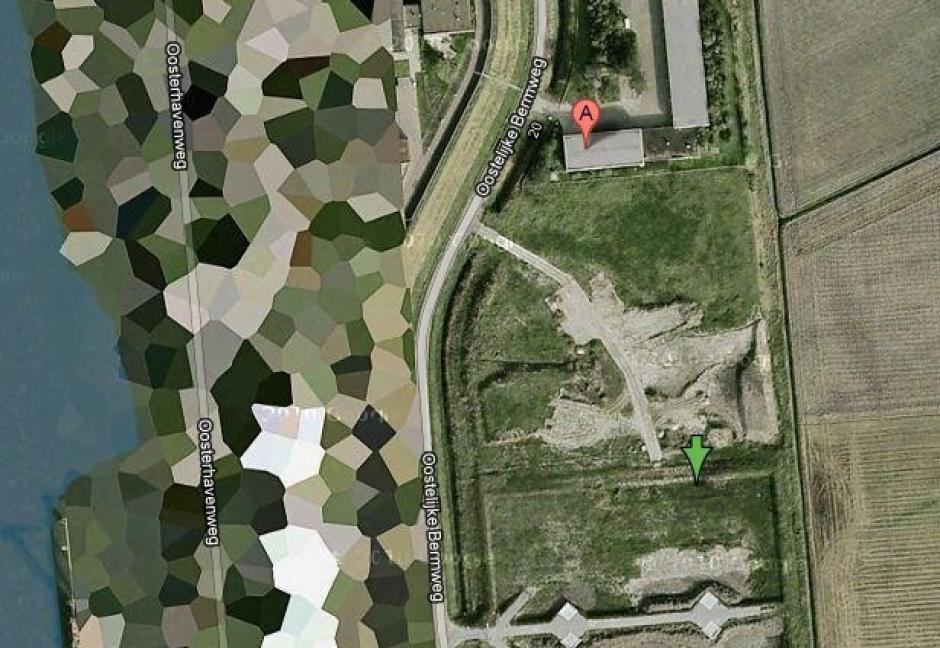 Inmuebles propiedad de la familia real holandesa no son los únicos lugares borrosos en las Países Bajos. Sumando a la lista se encuentran los depósitos petroleros de Vissingen. (Foto: Google Maps)
