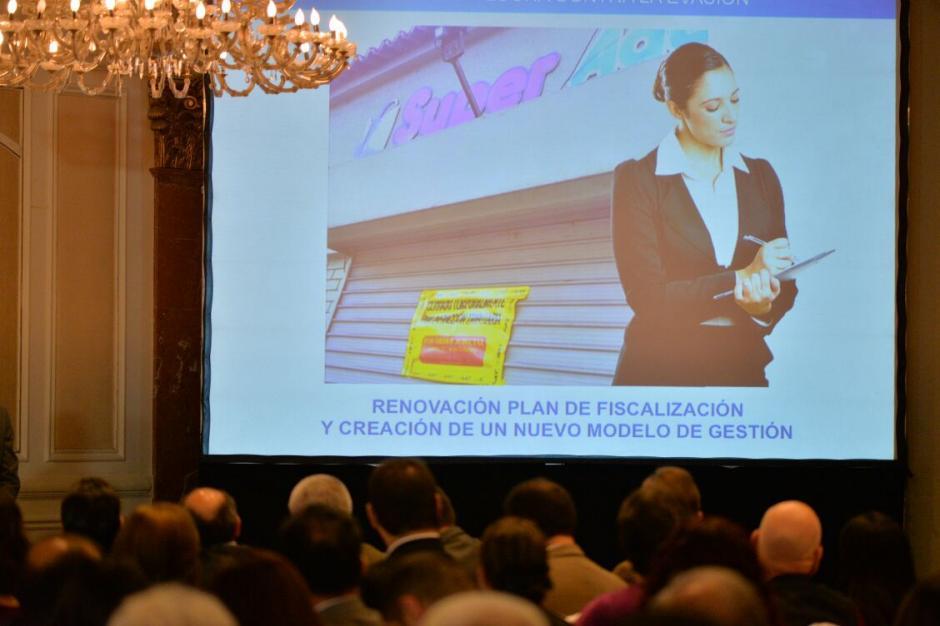El Plan de la SAT 2016-2020 incluye aumentar recaudación y recuperar confianza de los contribuyentes.  (Foto: Wilder López/Soy502)