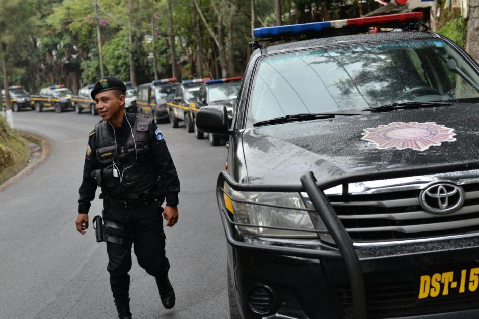 Durante la requisas se localizaron dos armas de fuego. (Wilder López/Soy502)