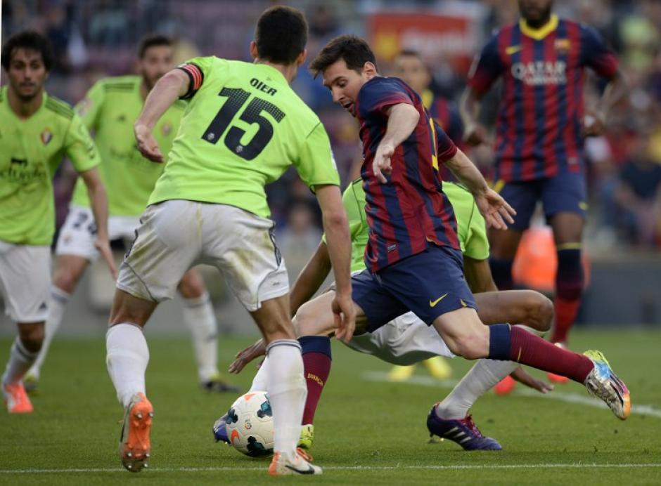 Desde su debut en 2004 Messi ha sido un verdadero dolor de cabeza para los defensas rivales. (Foto: AFP)