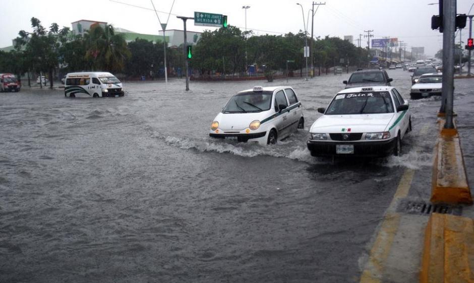 El huracán Patricia se formó este jueves duranta la madrugada frente a las costas de Michoacán, informó el Servicio Meteorológico Nacional. (Foto: Efe)
