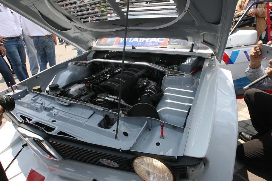 Los motores potentes y veloces de los autos clásicos lucieron en Cayalá. (Foto: César Pérez)