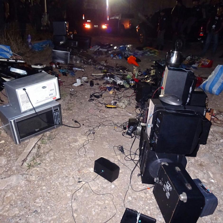 Todos los aparatos incautados no tenían permiso de las autoridades. (Foto: Sistema Penitenciario)