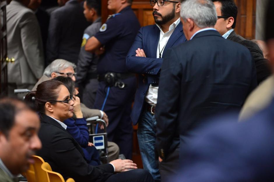 Con el único que se sonríe abiertamente Baldetti es con Otto Pérez Molina. (Foto: Jesús Alfonso/Soy502)