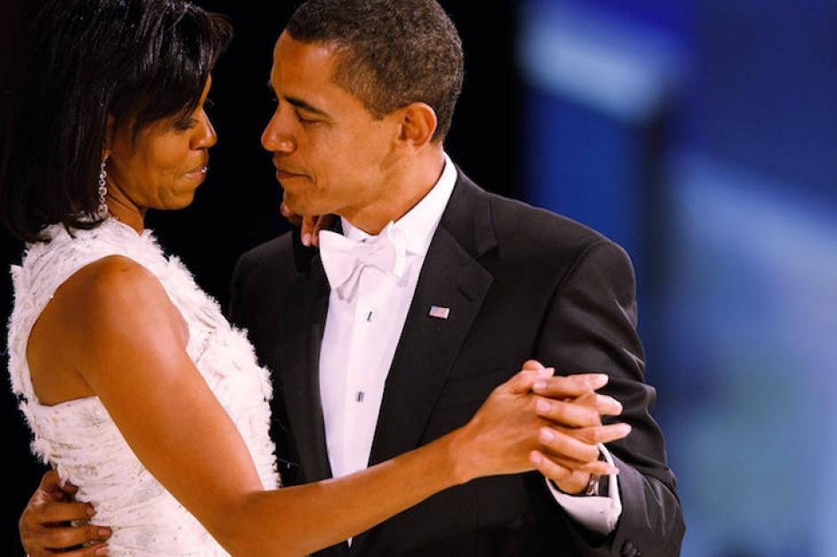 """Barack y Michelle Obama bailaron """"At Last"""" en 2009. (Foto: nuevamujer.com)"""