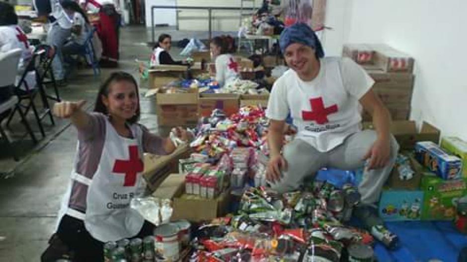 La bondadosa joven también hace voluntariado para la Cruz Roja. (Foto: Deyanira Estrada)