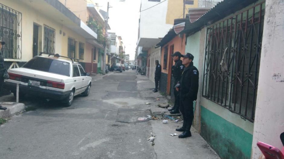 Los detenidos habrían obtenido más de 3 millones de quetzales producto de las extorsiones.  (Foto: PNC)