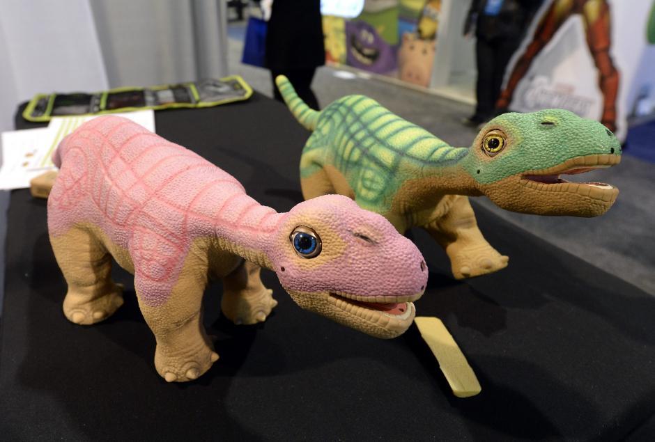 Robots juguete INNVO que se exhiben en la Feria Internacional CES. (Foto: EFE/Michael Nelson)