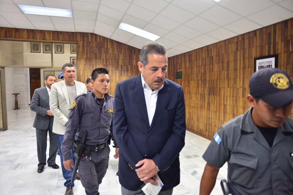 El expresidente de Banrural, Fernando Peña, llega a la Sala de Vistas de la CSJ. (Foto: Jesús Alfonso/Soy502)