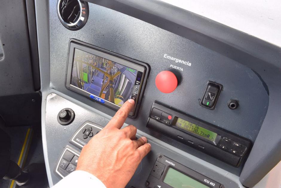 El piloto de los nuevos Transmetro tendrán acceso a través de cámaras a observar lo que ocurre en el interior del bus. (Foto: Jesús Alfonso/Soy502)