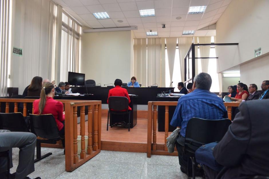 La representante del colegio ITC es una de las afectadas. (Foto: Jesús Alfonso/Soy502)