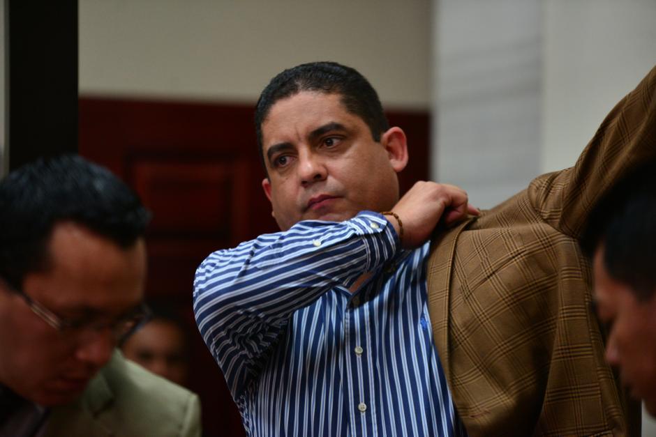 Previo a declarar ante el juez, Monzón se quitó los implementos de seguridad. (Foto: Wilder López/Soy502)
