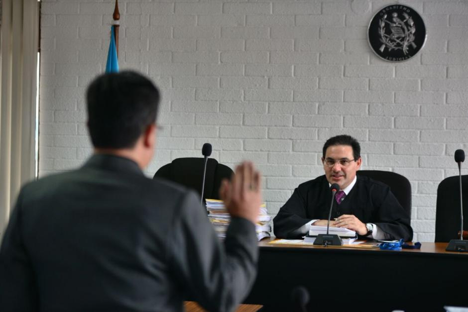 Un arquitecto le describió al juez los acabados lujosos que tiene la vivienda y que hace que su valor se eleve a 19.3 millones de quetzales. (Foto: Wilder López/Soy502)