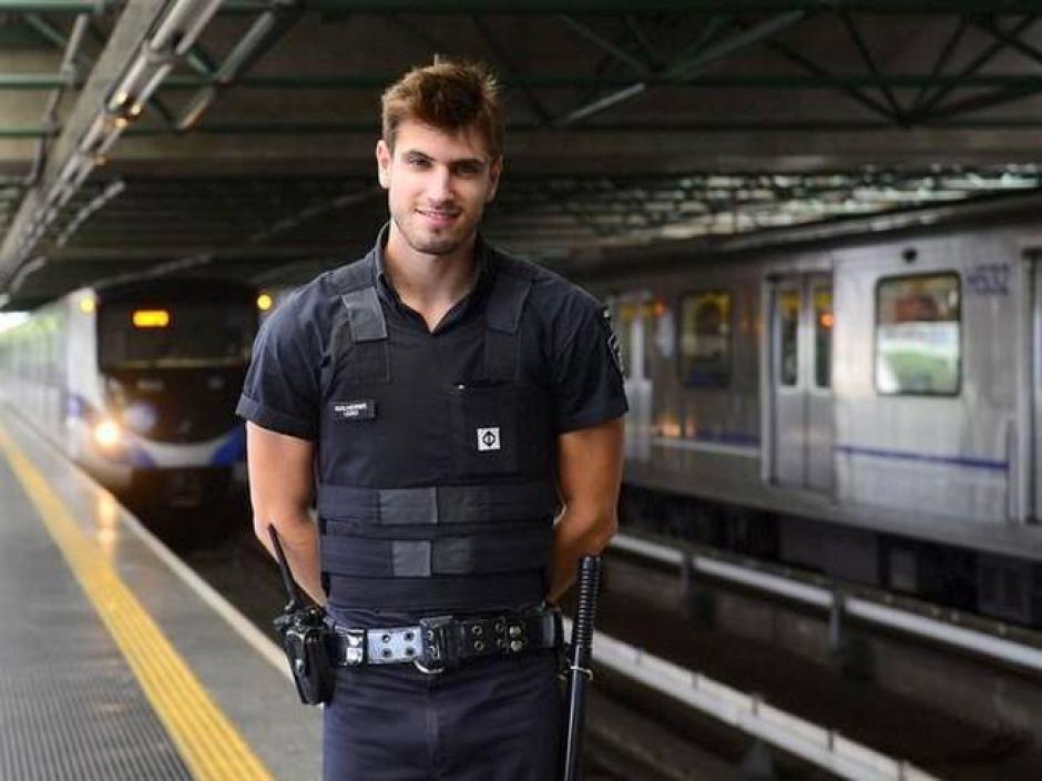 Leao no sólo es guardia de seguridad, sino también se dedica al modelaje, cuando su trabajo de vigilante se lo permite. (Foto: Guilherme Leao/Facebook)