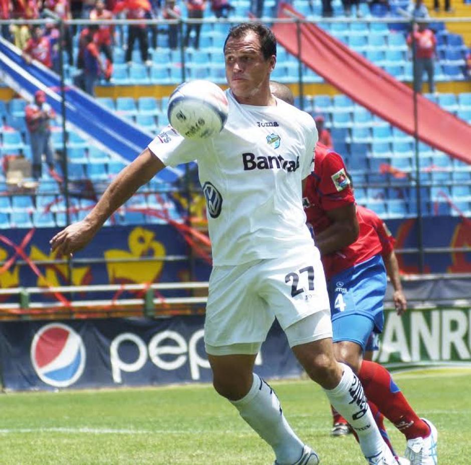 """""""El Tanque"""" jugó con Comunicaciones en varias épocas. (Foto: Nuestro Diario)"""