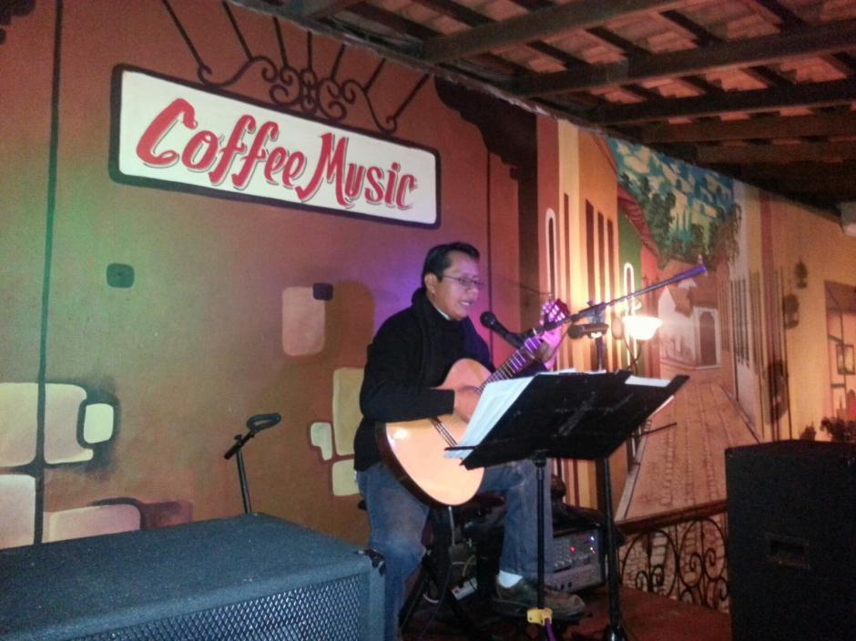 La música siempre fue una de las mejores excusas para disfrutar un buen rato en Café Baviera.(Foto: Café Baviera)