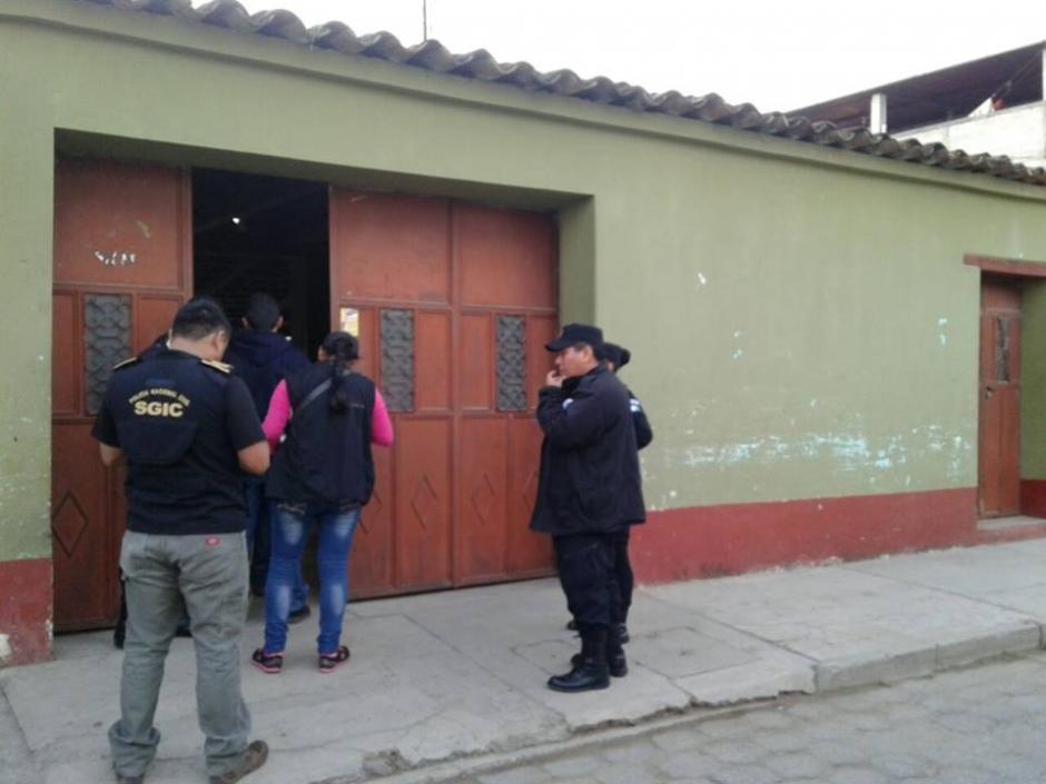 Según las autoridades, los presuntos delincuentes obtuvieron más de dos millones de quetzales. (Foto: PNC)