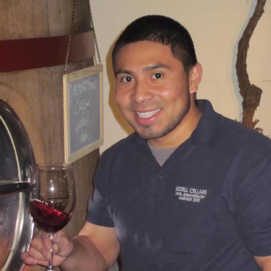 Desde hace 10 años este guatemalteco inició su aventura en el mundo de los viñedos. (Foto: Twitter)