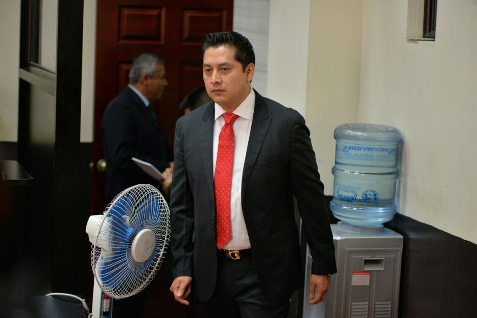 El abogado defensor Mario Cano llega a Tribunales por el caso Cooptación del Estado. (Foto: Wilder López/Soy502)