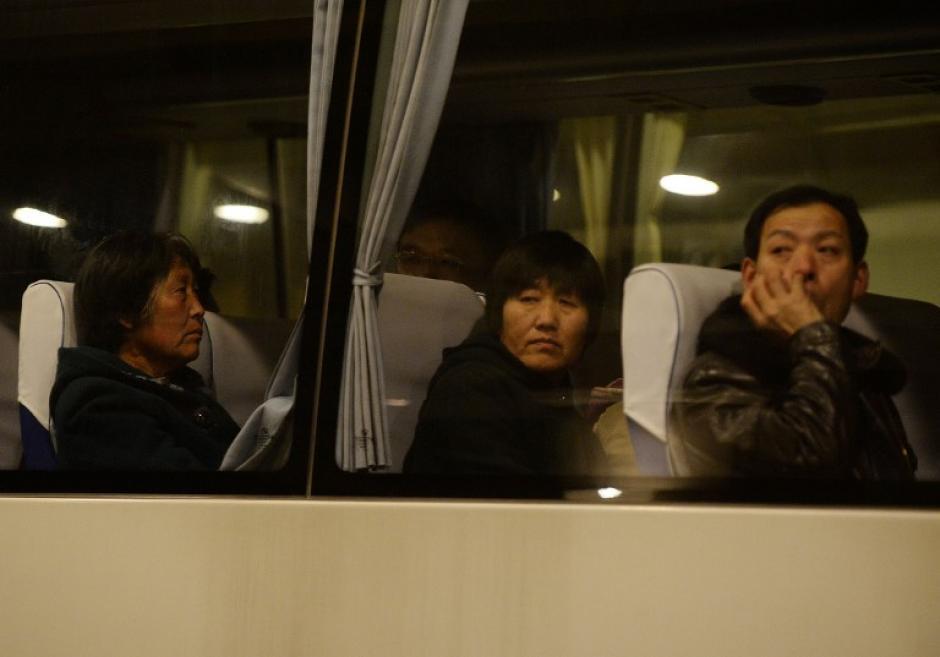 Muchos pasajeros chinos se encontraban de ese avión, por lo que algunos familiares han tenido que viajar a Malasia
