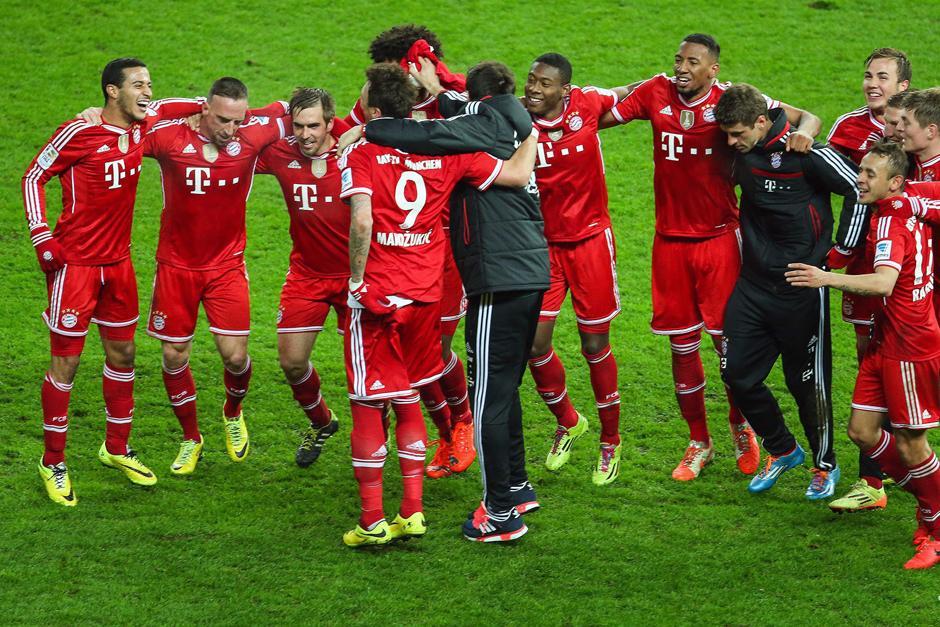 ¡Campeón, campeón! fue el cántico con el que su afición acompañó al Bayern Munich durante todo el juego. (Foto: EFE)