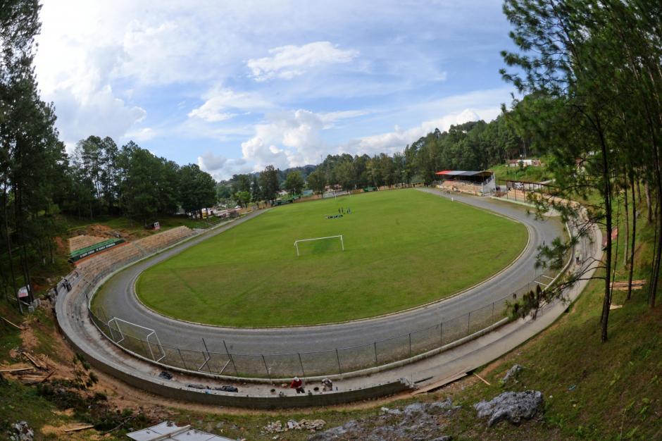 Luego de 16 años el estadio Juan Ramón Ponce Way, de Carchá, volverá a recibir partidos e la Liga Nacional. Tiene espacio para unas 4 mil personas. (Foto: Nuestro Diario)