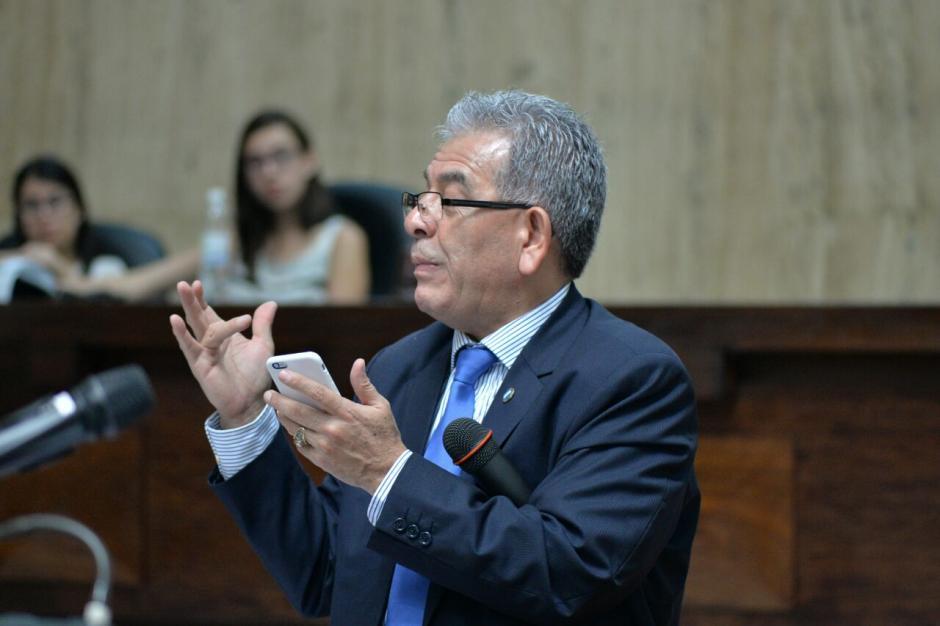 El juez Miguel Ángel Gálvez dio a conocer un fragmento del testimonio de un piloto que declaró contra Chévez. (Foto: Wilder López/Soy502)