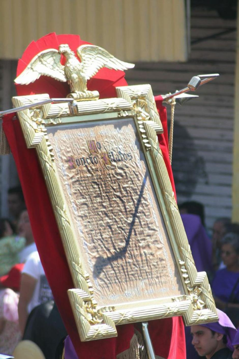 En la procesión se puede apreciar la proclama de Poncio Pilatos, el prefecto romano que condenó a Jesús a petición del pueblo. (Foto: Raúl Illescas).