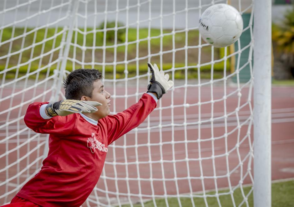 Deportistas de las Olimpíadas Especiales también entrenan en el Estadio. (Foto: George Rojas/Soy502)