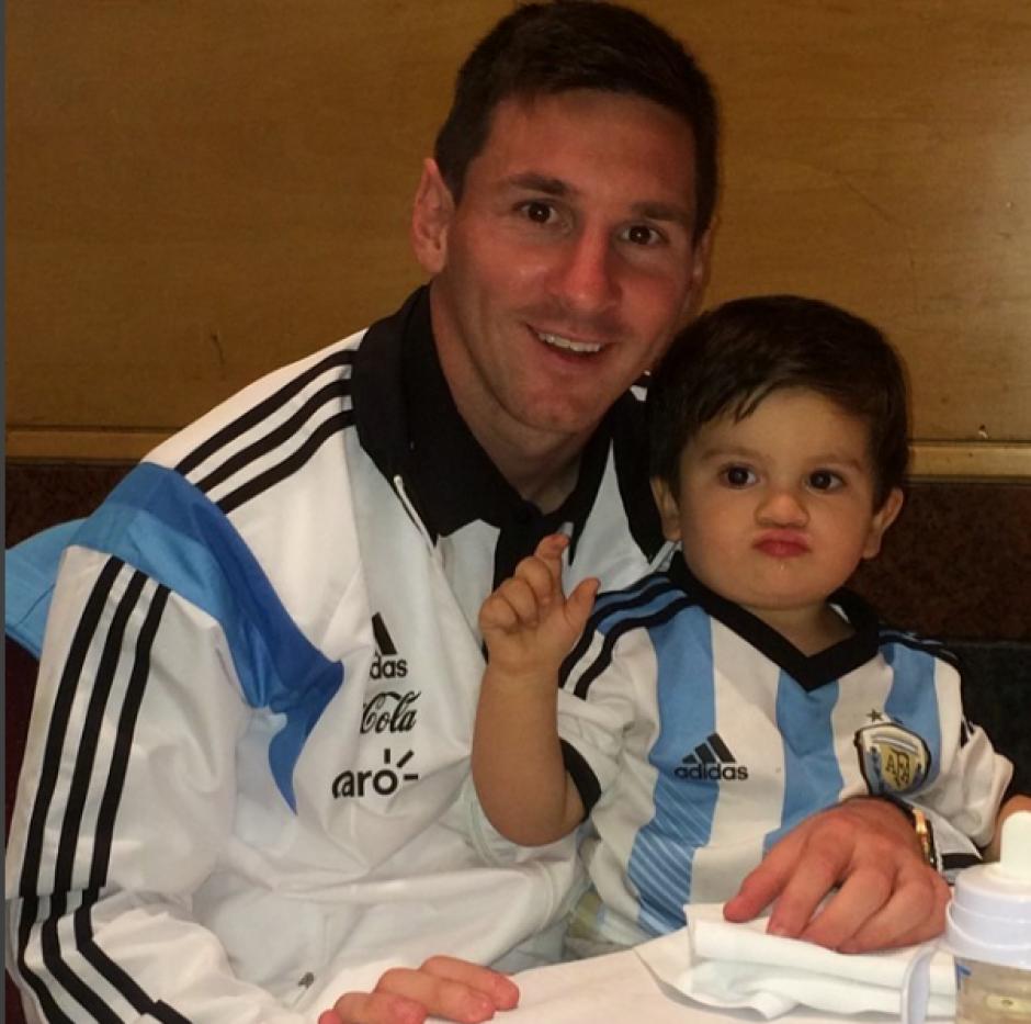 Messi junto a Thiago, su hijo mayor. (Foto: Instagram/@leomessi)