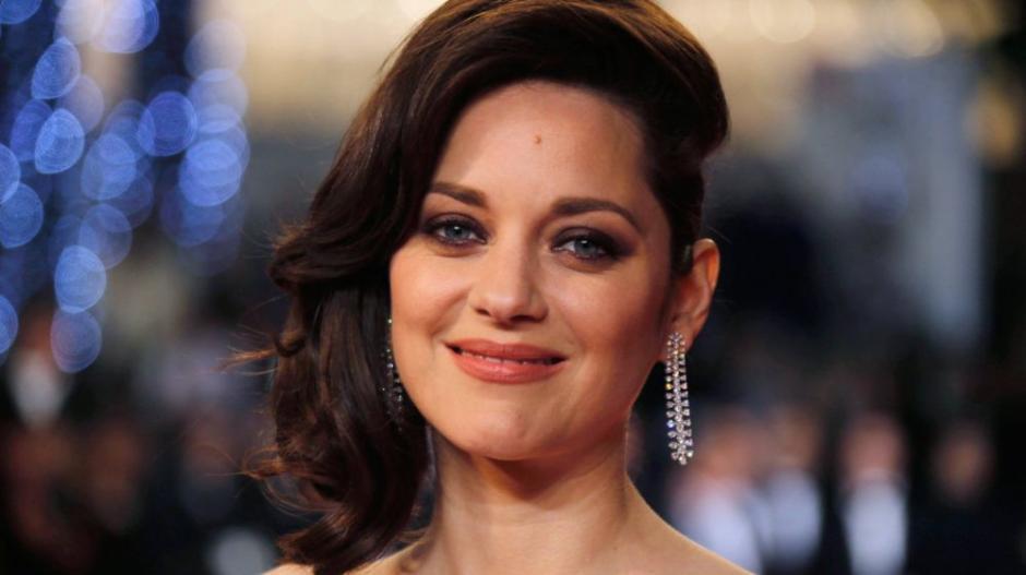 La actriz difunde un mensaje en el que asegura no tener ninguna relación con Brad Pitt. (Foto: El Pais)