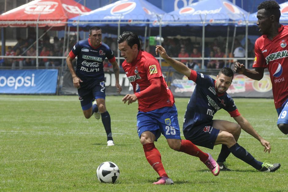 Mario Rodríguez en plena acción en el triunfo de Municipal 1-0 sobre Malacateco. (Foto: Nuestro Diario)