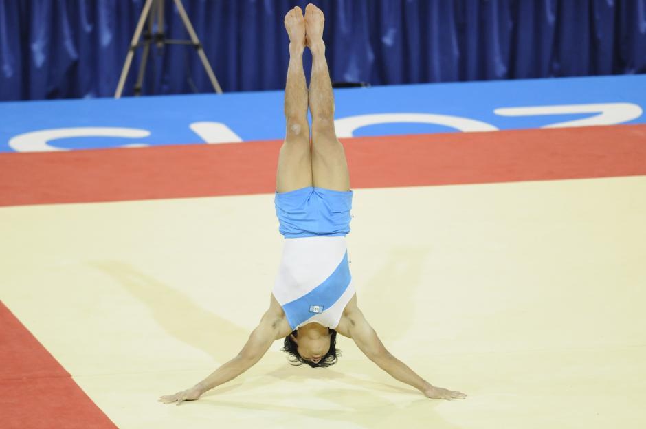Jorge Vega se clasificó a la final de piso, en la gimnasia de los Panamericanos. (Foto: Alvaro Yool/ Nuestro Diario)