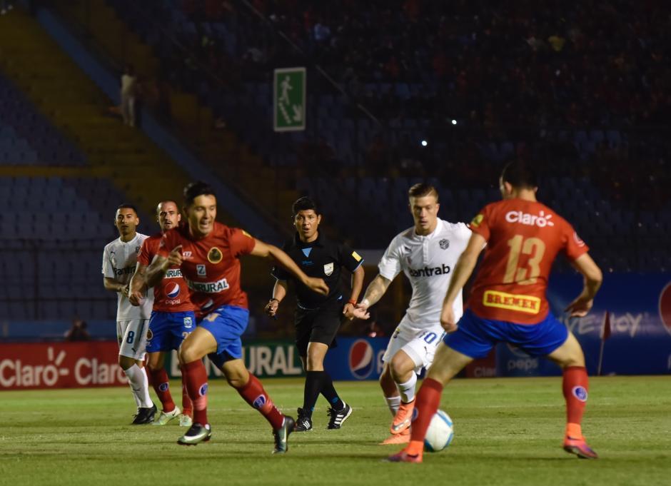 En un primer tiempo disputado los Rojos y Cremas empatan a cero. (Foto: Luis Barrios/Soy502)