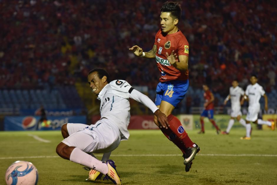Empatado a cero goles terminó el Clásico 297 del fútbol. (Foto: Luis Barrios/Soy502)